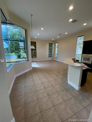 Heron Bay for Sale - 12154 NW 76th Pl, Parkland 33076, photo 4 of 13