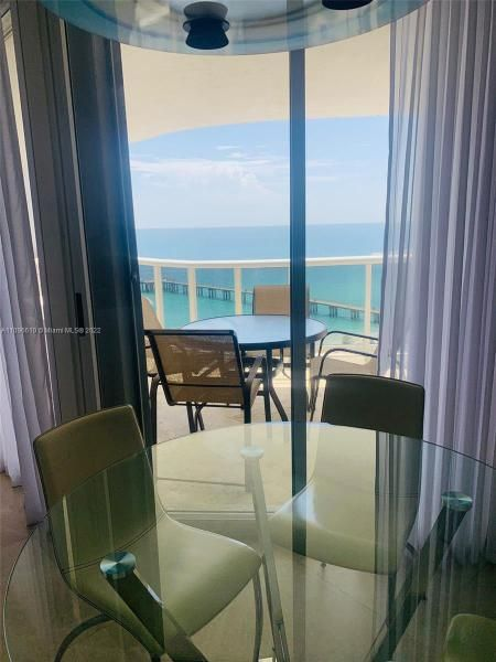 Sands Pointe for Sale - 16711 Collins Ave, Unit 1403, Sunny Isles 33160, photo 13 of 32