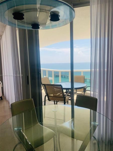 Sands Pointe for Sale - 16711 Collins Ave, Unit 1403, Sunny Isles 33160, photo 14 of 32