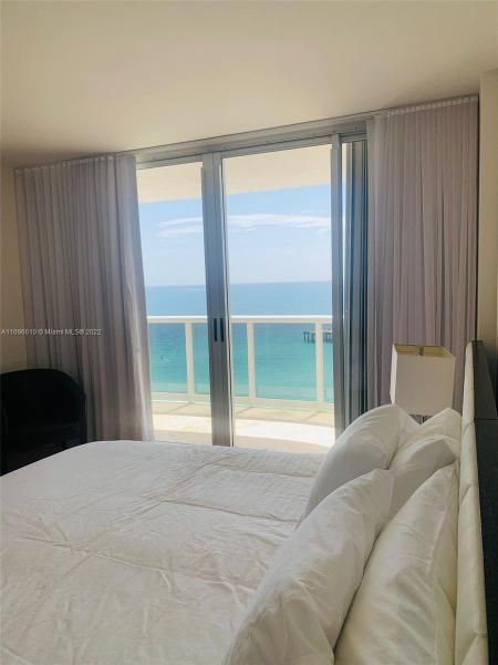 Sands Pointe for Sale - 16711 Collins Ave, Unit 1403, Sunny Isles 33160, photo 21 of 32