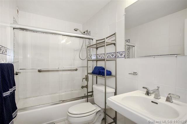 Alexander Towers for Sale - 3505 S Ocean Dr, Unit 914, Hollywood 33019, photo 11 of 20