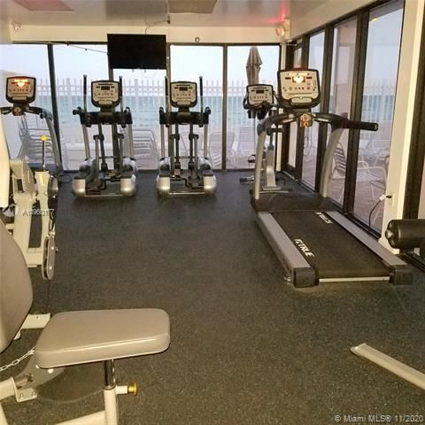 Alexander Towers for Sale - 3505 S Ocean Dr, Unit 914, Hollywood 33019, photo 18 of 20