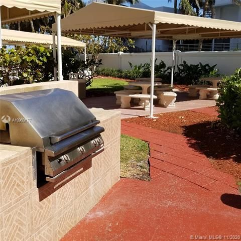 Alexander Towers for Sale - 3505 S Ocean Dr, Unit 914, Hollywood 33019, photo 19 of 20
