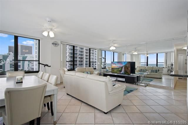 Alexander Towers for Sale - 3505 S Ocean Dr, Unit 914, Hollywood 33019, photo 4 of 20