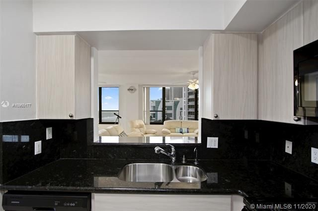 Alexander Towers for Sale - 3505 S Ocean Dr, Unit 914, Hollywood 33019, photo 7 of 20