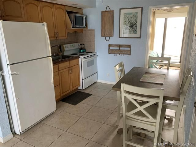 Ocean Grande for Sale - 3300 N Surf Rd, Unit 18A, Hollywood 33019, photo 13 of 22