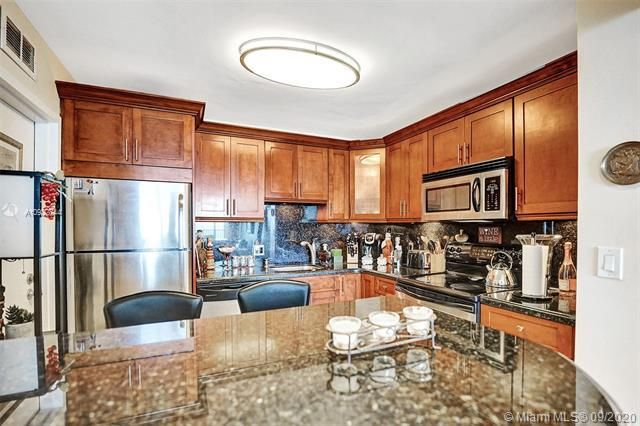 Quadomain for Sale - 2101 S Ocean Dr, Unit 2202, Hollywood 33019, photo 14 of 37