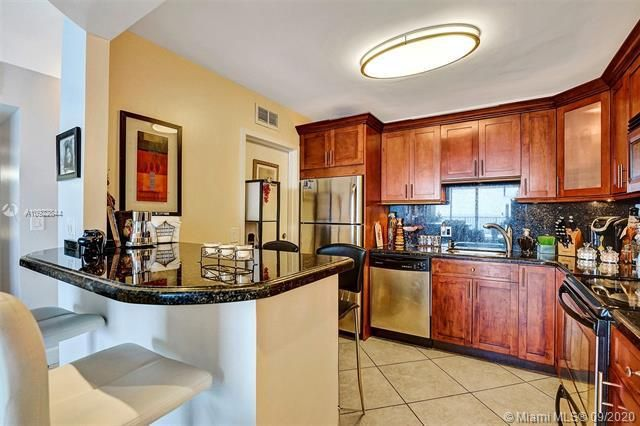 Quadomain for Sale - 2101 S Ocean Dr, Unit 2202, Hollywood 33019, photo 15 of 37