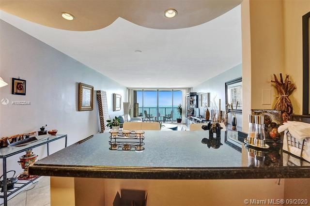 Quadomain for Sale - 2101 S Ocean Dr, Unit 2202, Hollywood 33019, photo 16 of 37