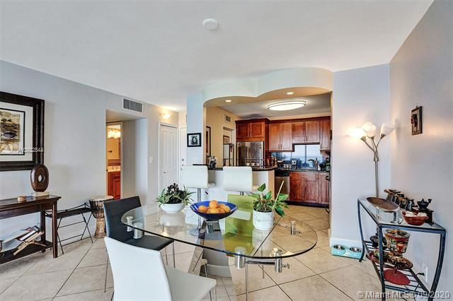 Quadomain for Sale - 2101 S Ocean Dr, Unit 2202, Hollywood 33019, photo 17 of 37