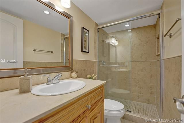 Quadomain for Sale - 2101 S Ocean Dr, Unit 2202, Hollywood 33019, photo 20 of 37