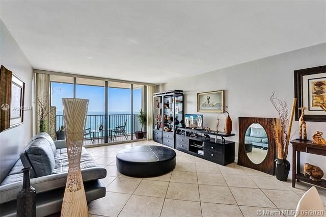 Quadomain for Sale - 2101 S Ocean Dr, Unit 2202, Hollywood 33019, photo 7 of 37