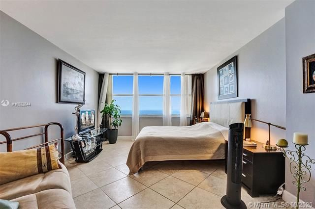 Quadomain for Sale - 2101 S Ocean Dr, Unit 2202, Hollywood 33019, photo 9 of 37