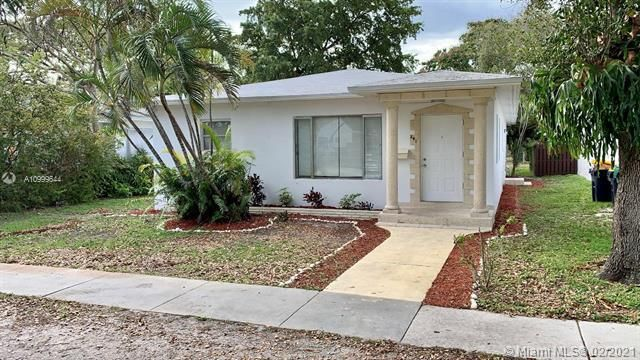 Dania Heights for Sale - 241 SW 5th St, Dania 33004, photo 1 of 23