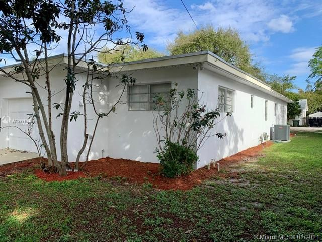 Dania Heights for Sale - 241 SW 5th St, Dania 33004, photo 18 of 23