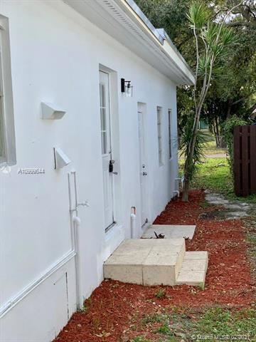 Dania Heights for Sale - 241 SW 5th St, Dania 33004, photo 22 of 23