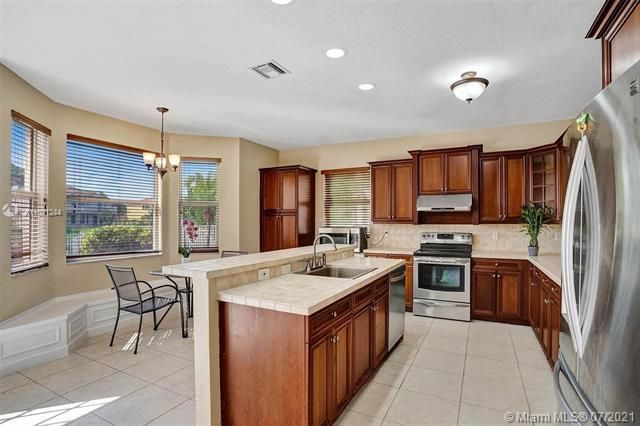 Riviera Isles for Sale - 16844 SW 49th Ct, Miramar 33027, photo 12 of 64