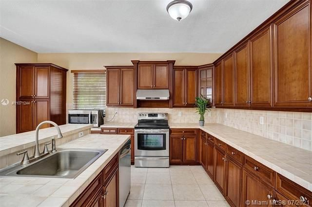 Riviera Isles for Sale - 16844 SW 49th Ct, Miramar 33027, photo 13 of 64