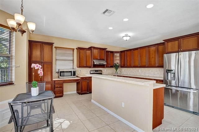 Riviera Isles for Sale - 16844 SW 49th Ct, Miramar 33027, photo 15 of 64