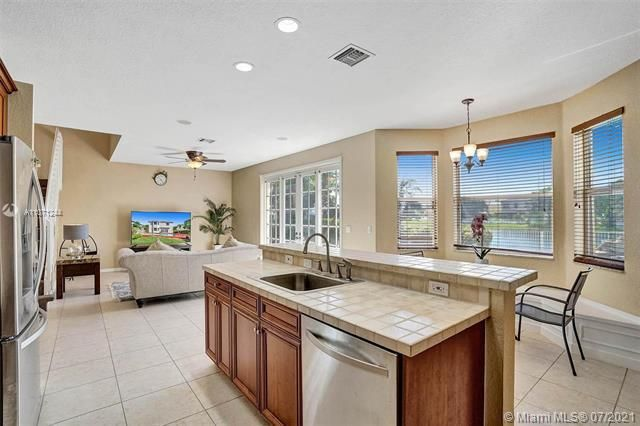 Riviera Isles for Sale - 16844 SW 49th Ct, Miramar 33027, photo 16 of 64