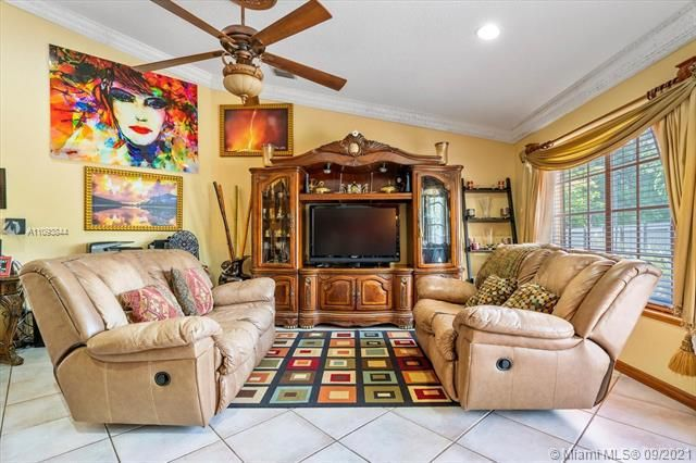 Melaleuca Acres for Sale - 16951 SW 63rd Mnr, Southwest Ranches 33331, photo 10 of 56
