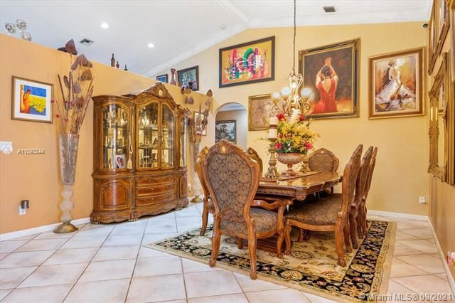 Melaleuca Acres for Sale - 16951 SW 63rd Mnr, Southwest Ranches 33331, photo 11 of 56