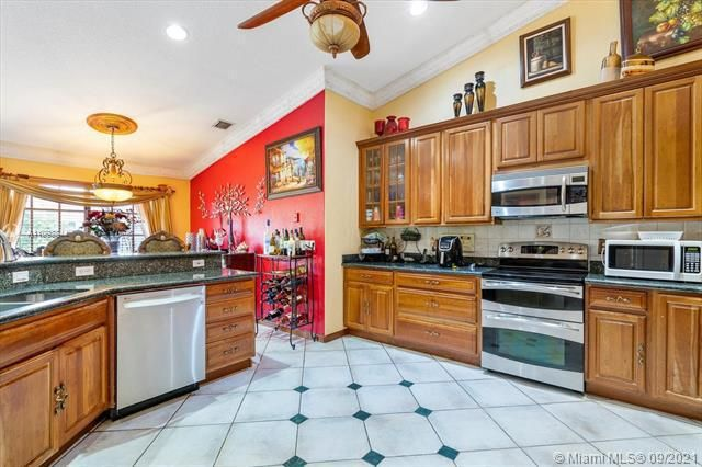 Melaleuca Acres for Sale - 16951 SW 63rd Mnr, Southwest Ranches 33331, photo 13 of 56
