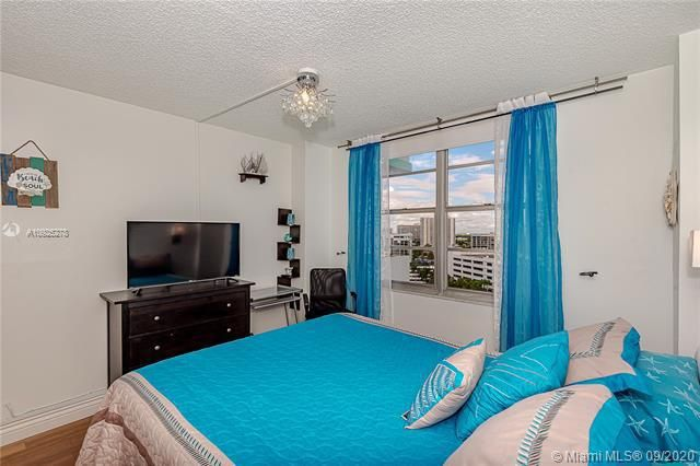 Sea Air Towers for Sale - 3725 S Ocean Dr, Unit 1219, Hollywood 33019, photo 18 of 31