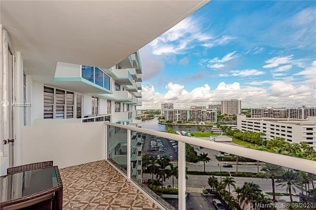 Sea Air Towers for Sale - 3725 S Ocean Dr, Unit 1219, Hollywood 33019, photo 2 of 31