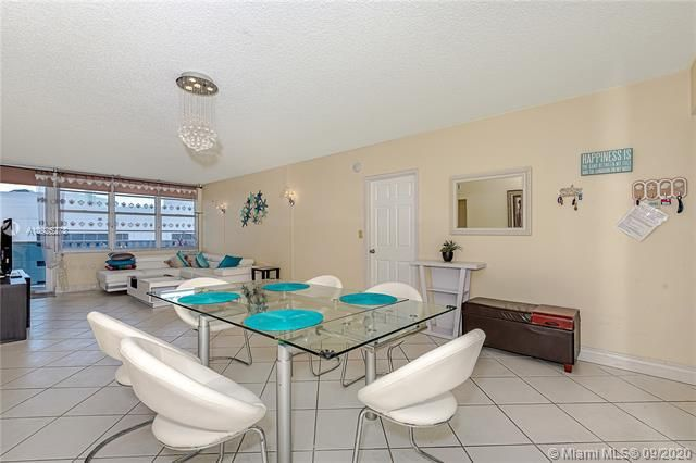 Sea Air Towers for Sale - 3725 S Ocean Dr, Unit 1219, Hollywood 33019, photo 7 of 31
