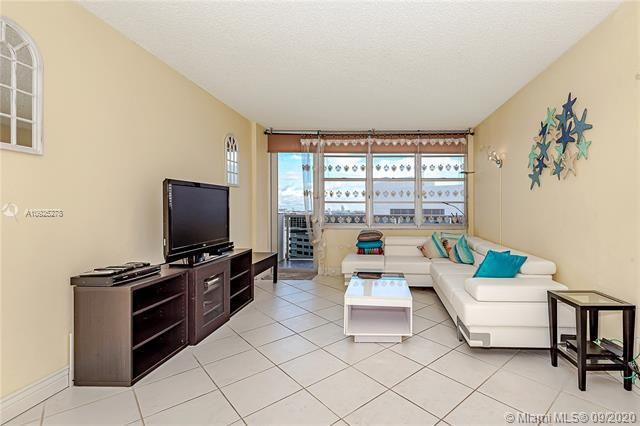Sea Air Towers for Sale - 3725 S Ocean Dr, Unit 1219, Hollywood 33019, photo 8 of 31