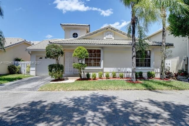 Winston Park for Sale - 5371 NW 41st, Coconut Creek 33073, photo 1 of 31