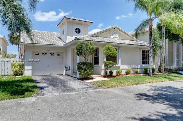 Winston Park for Sale - 5371 NW 41st, Coconut Creek 33073, photo 2 of 31