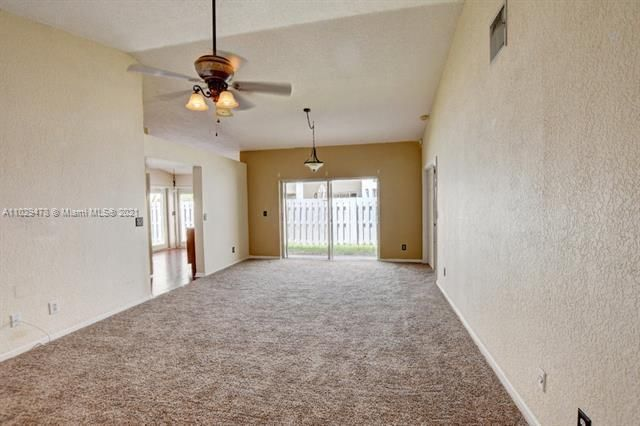 Winston Park for Sale - 5371 NW 41st, Coconut Creek 33073, photo 6 of 31