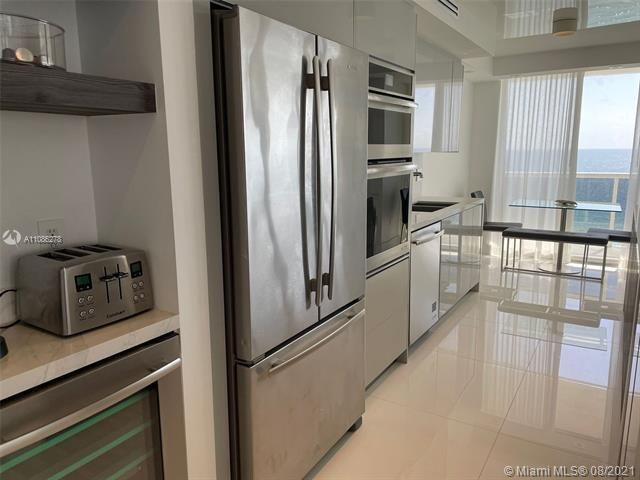 Sands Pointe for Sale - 16711 Collins Ave, Unit 1107, Sunny Isles 33160, photo 14 of 22