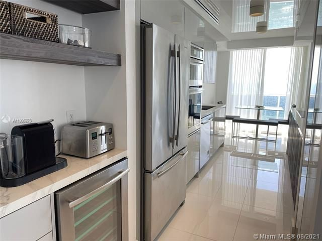 Sands Pointe for Sale - 16711 Collins Ave, Unit 1107, Sunny Isles 33160, photo 15 of 22