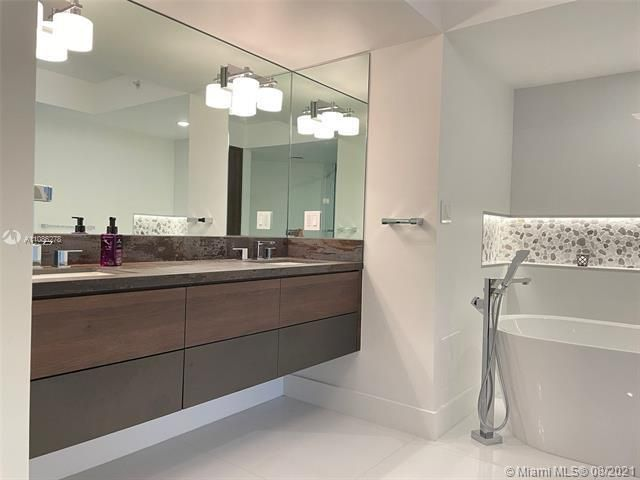 Sands Pointe for Sale - 16711 Collins Ave, Unit 1107, Sunny Isles 33160, photo 19 of 22