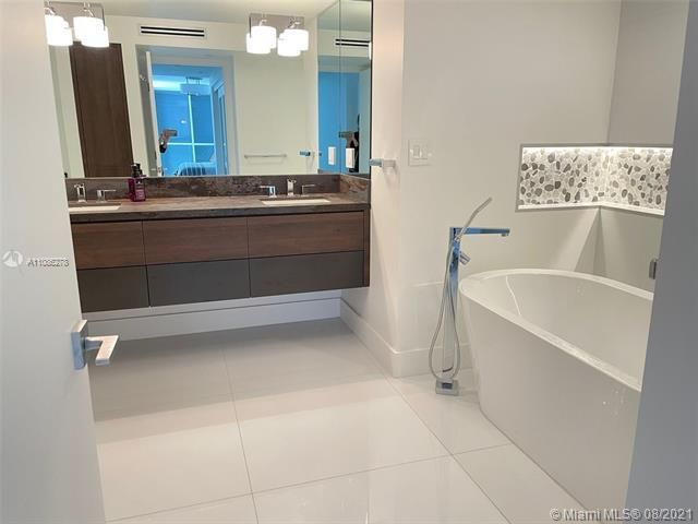 Sands Pointe for Sale - 16711 Collins Ave, Unit 1107, Sunny Isles 33160, photo 21 of 22