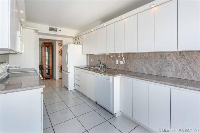 Summit for Sale - 1201 S Ocean Dr, Unit 2505S, Hollywood 33019, photo 10 of 40