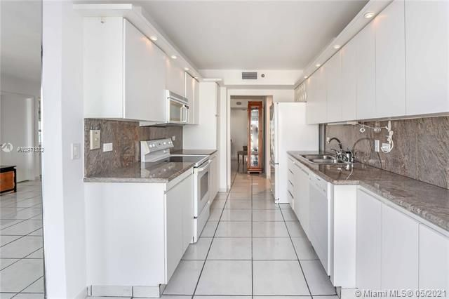 Summit for Sale - 1201 S Ocean Dr, Unit 2505S, Hollywood 33019, photo 12 of 40