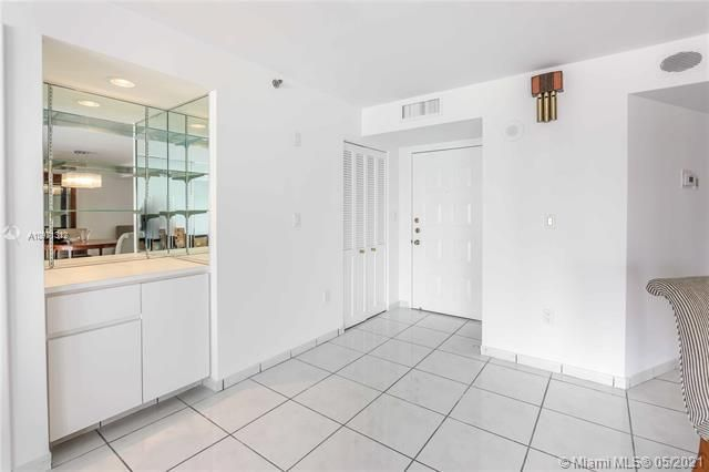 Summit for Sale - 1201 S Ocean Dr, Unit 2505S, Hollywood 33019, photo 14 of 40