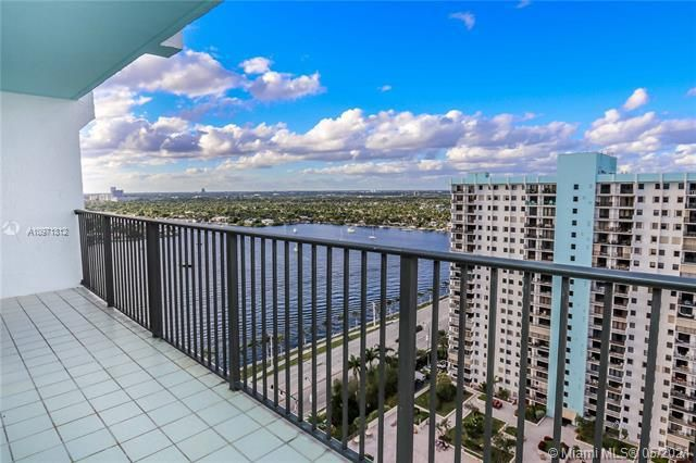 Summit for Sale - 1201 S Ocean Dr, Unit 2505S, Hollywood 33019, photo 16 of 40