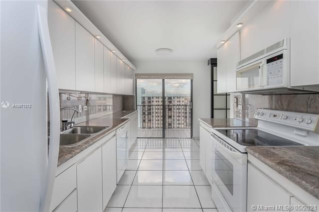 Summit for Sale - 1201 S Ocean Dr, Unit 2505S, Hollywood 33019, photo 8 of 40