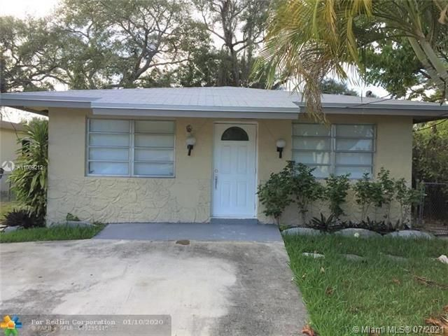 George M Phippens for Sale - 18 SW 7th Ave, Dania 33004, photo 2 of 17