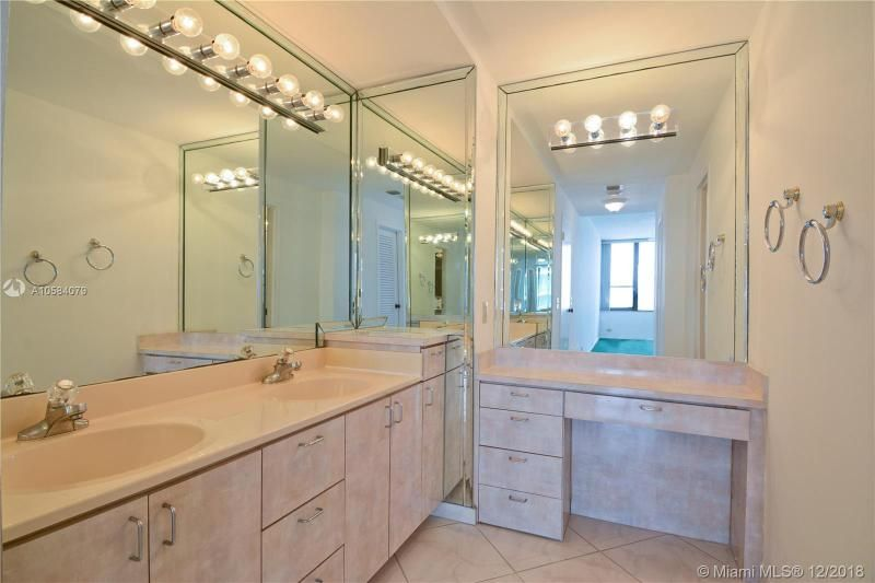 Alexander Towers for Sale - 3505 S Ocean Dr, Unit 1512, Hollywood 33019, photo 10 of 15