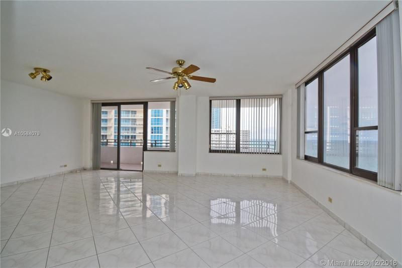 Alexander Towers for Sale - 3505 S Ocean Dr, Unit 1512, Hollywood 33019, photo 6 of 15