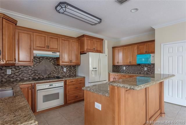 Riviera Isles for Sale - 15674 SW 53rd Ct, Miramar 33027, photo 8 of 48