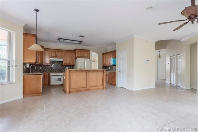 Riviera Isles for Sale - 15674 SW 53rd Ct, Miramar 33027, photo 9 of 48