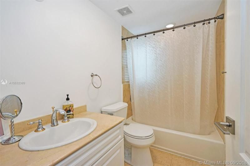 Aventura Bay for Sale - 18465 NE 30th Ct, Unit 18465, Aventura 33160, photo 17 of 30