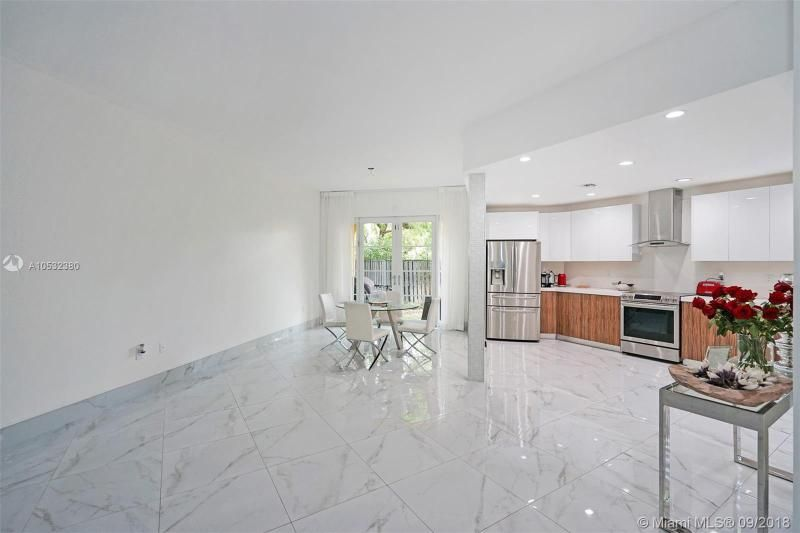 Aventura Bay for Sale - 18465 NE 30th Ct, Unit 18465, Aventura 33160, photo 4 of 30